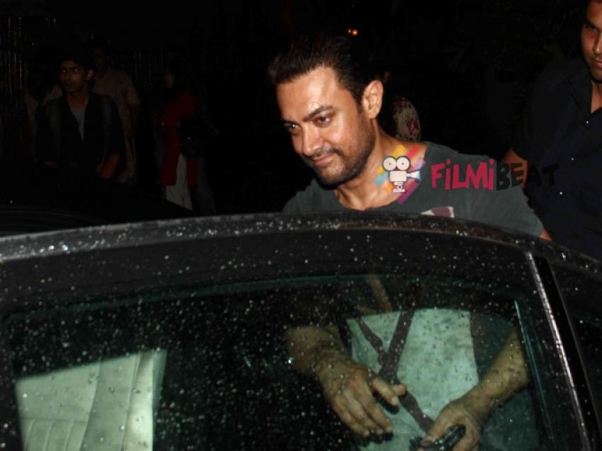 Aamir Khan Watches 'Piya Behroopiya' Play Photos