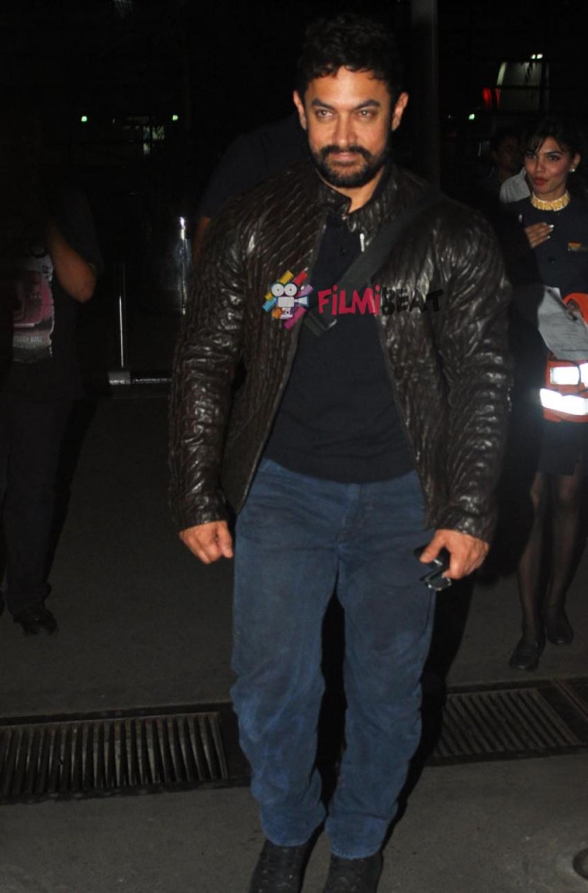 Aamir Khan And Raveena Tandon Snapped At Airport Photos