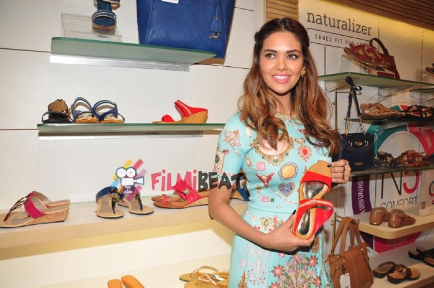 Esha Gupta Inaugurates Iconic Bata Store Photos