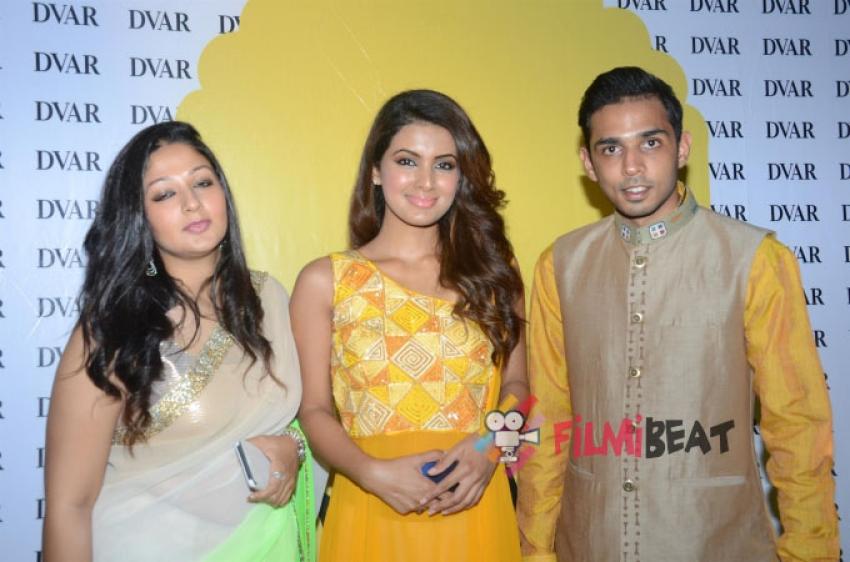 Ushma Vaidya Collection Preview At DVAR In Juhu Photos