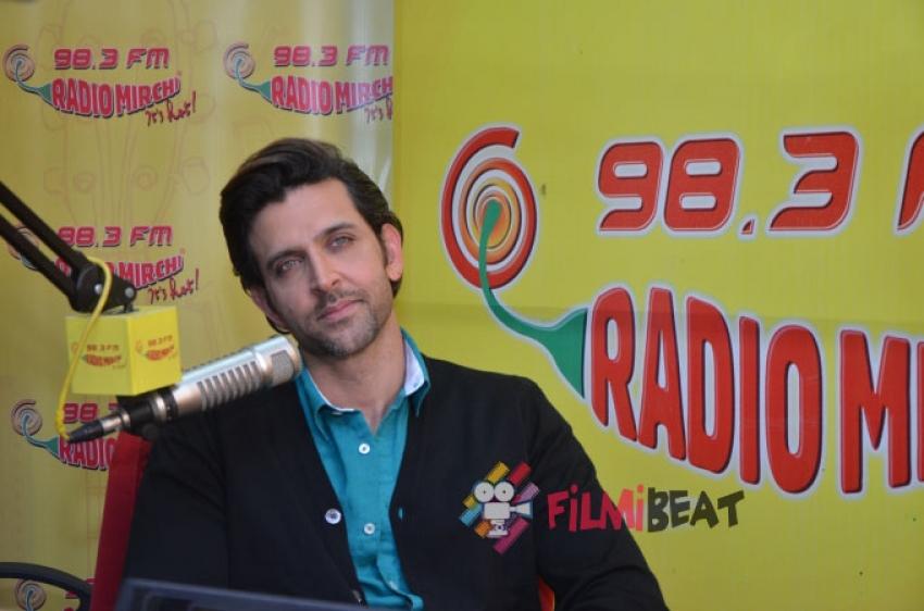 Hrithik Celebrate Bang Bang Success With Radio Mirchi Photos