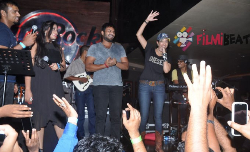 Thaman Musical Night To Raise Fund For Hudhud Photos