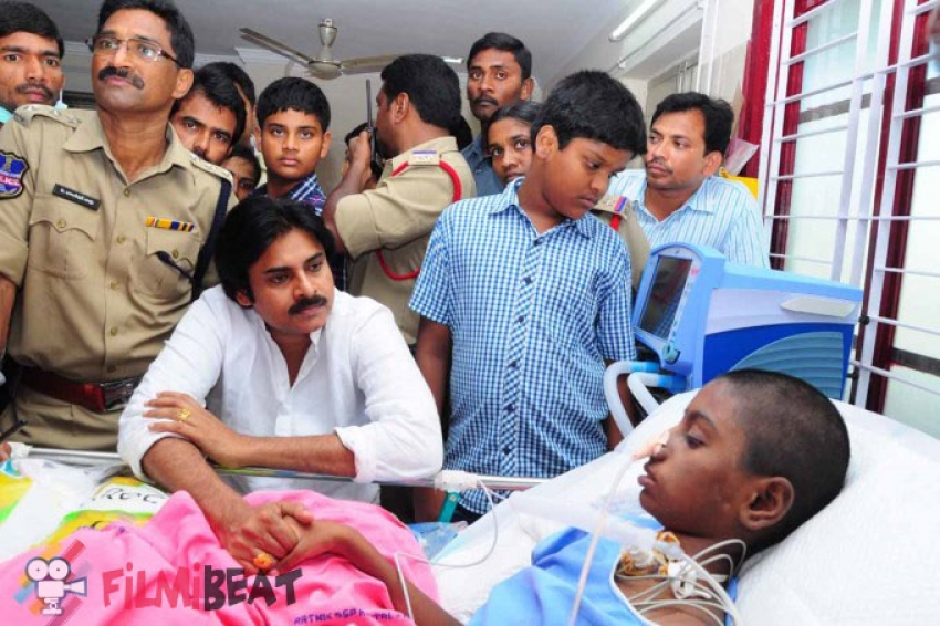 Pawan Kalyan Meets Srija At Hospital In Khammam Photos