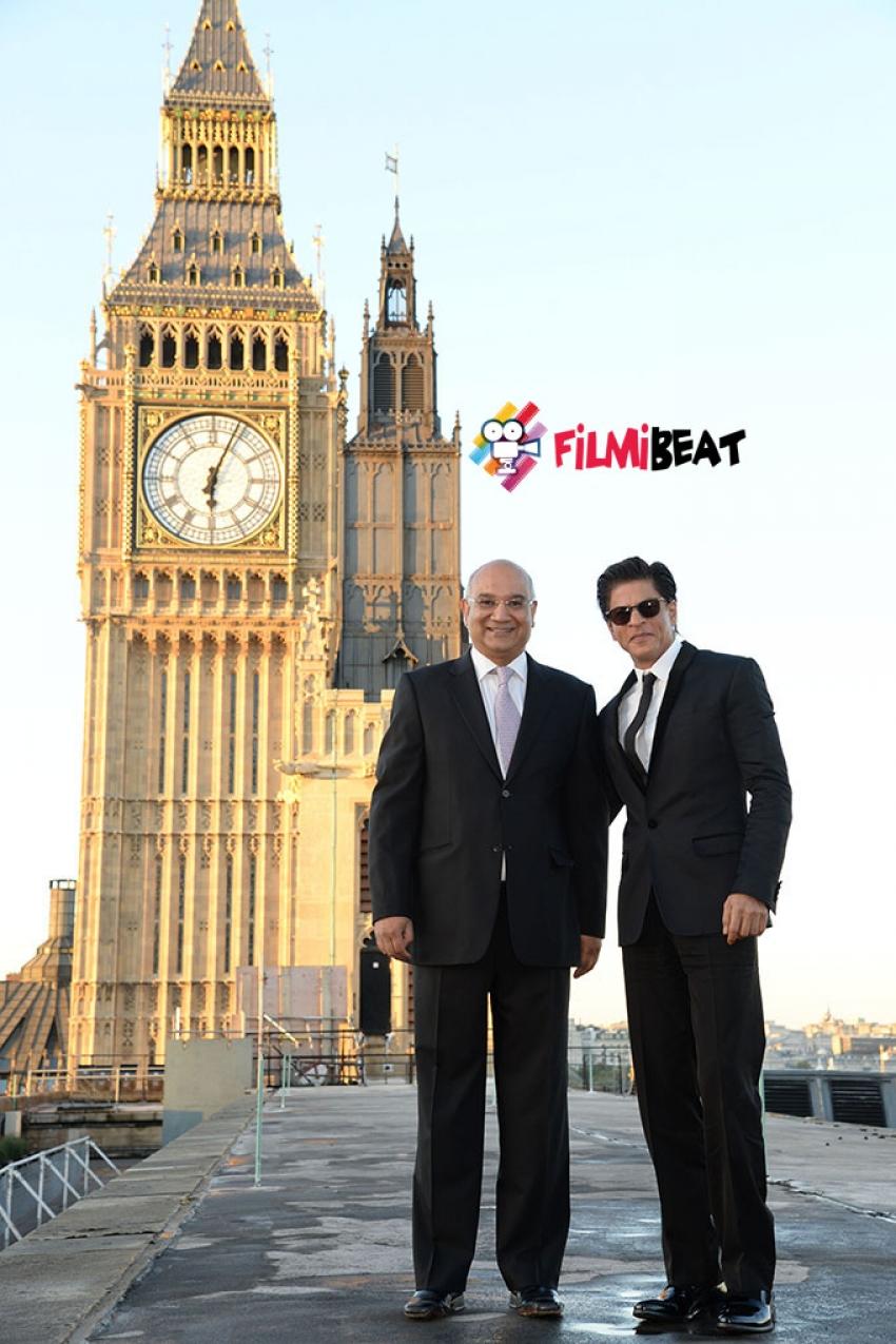 Shah Rukh Khan Presented With Global Diversity Award Photos