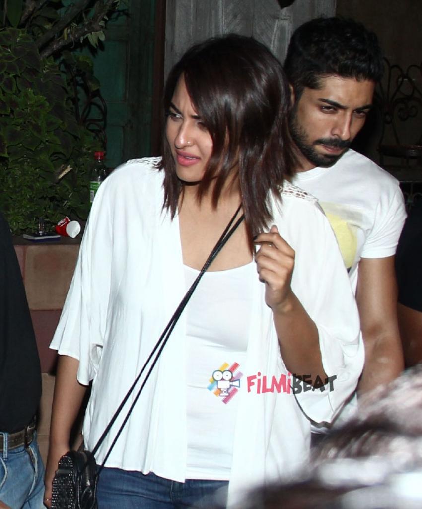Sonakshi Sinha and Kalki Koechlin Snapped At Pali Bhavan Restaurant Photos