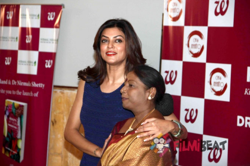Sushmita Sen Launches 'Beauty At Your Fingertips!' Book Photos