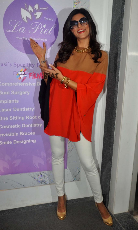 Sushmita Sen At Dr. Trasi's 'La Piel' Clinic Photos