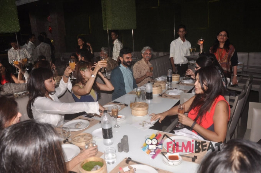 Nisha JamVwal Hosts Valay Gada's Premier Art Exhibition Photos