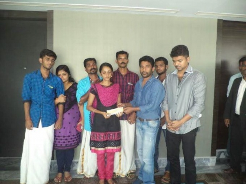 Vijay Meets Unnikrishnan Family Photos