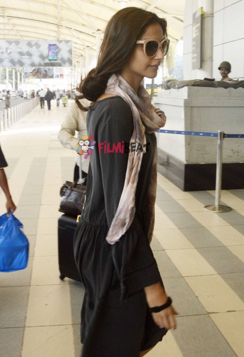Bollywood Celebs Snapped At Airport Photos