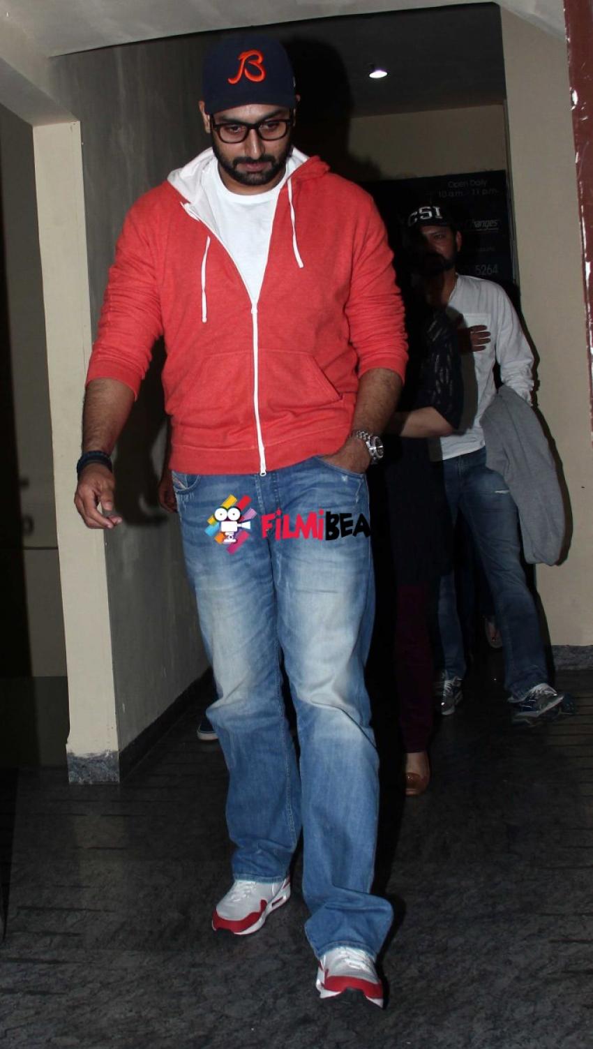 Abhishek & Aishwarya Rai Snapped At PVR Cinemas Photos