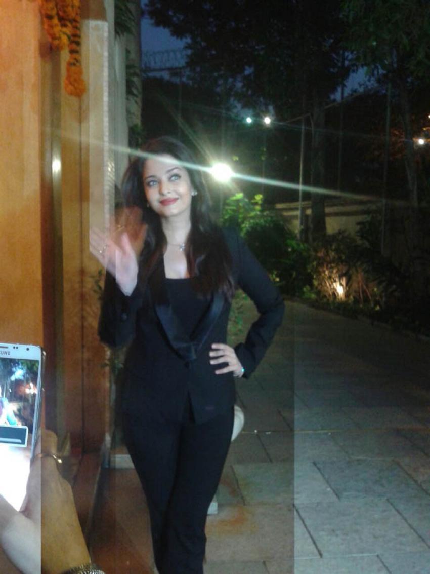 Aishwarya Rai Birthday Press Conference Photos