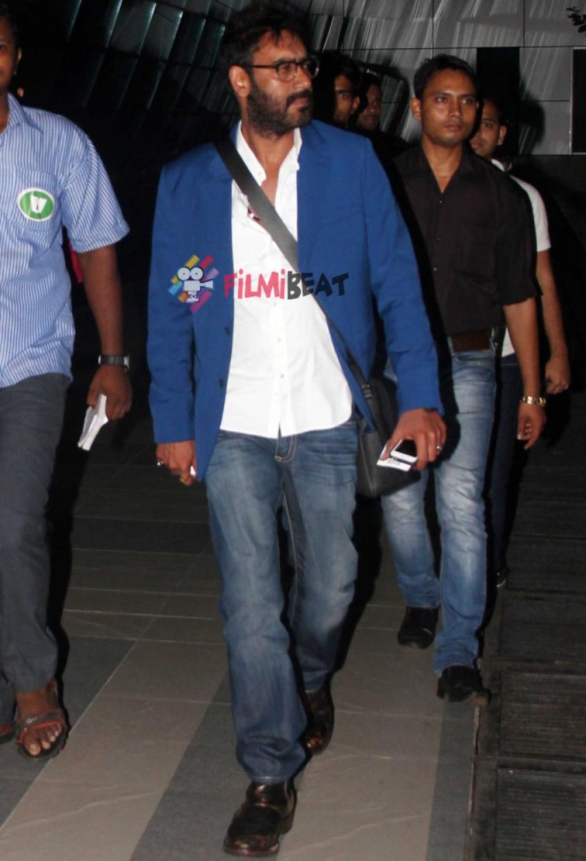 Ajay Devgan Snapped At Airport Photos