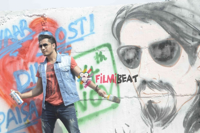 Ranveer, Parineeti And Ali Turn Graffiti Artists For Promotion Of Kill Dil Photos