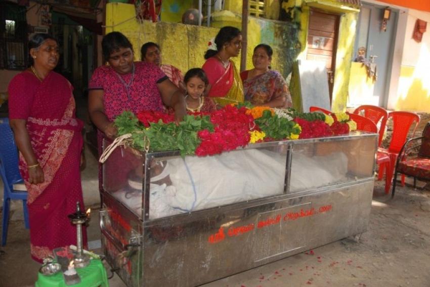Celebs Pay Last Respects To Comedy Actor Mahadevan Photos
