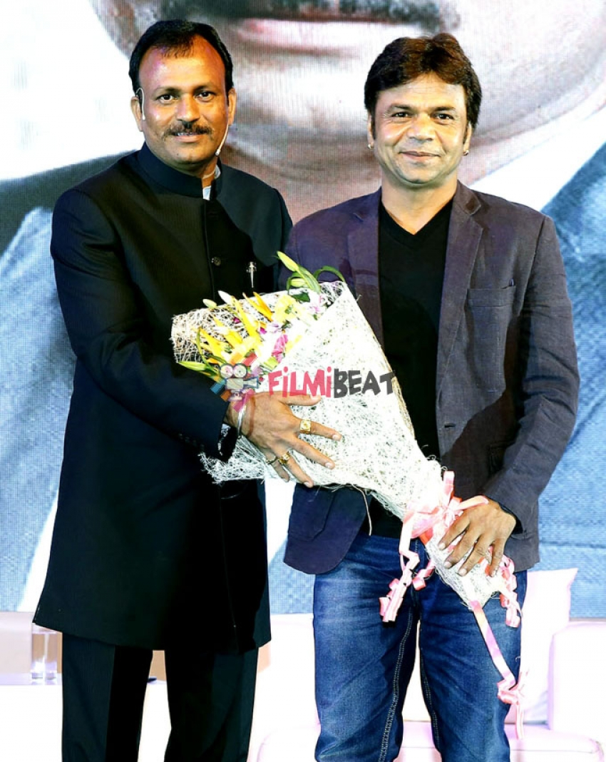 Anil Kapoor Launched Book On Life Of 'Dr. Mahesh Kishan Motewar' Photos