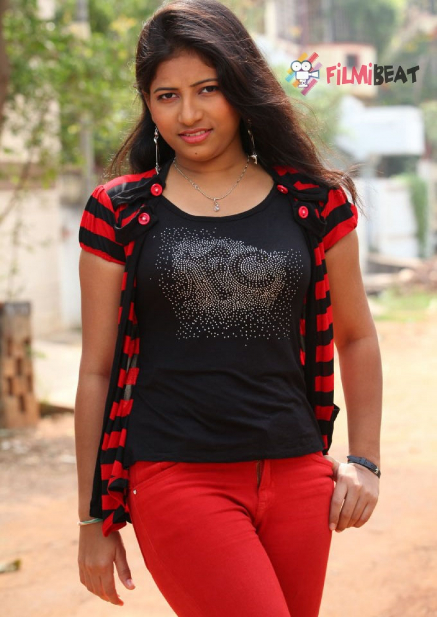 Eeshwa Shetty Photos
