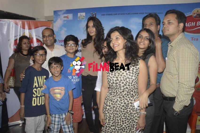 Lisa Haydon Promotes Film The Shaukeens Photos