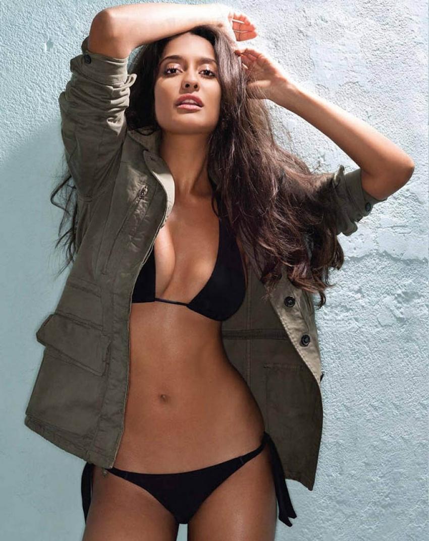 Bollywood Hottest Bikini Babes Photos Filmibeat