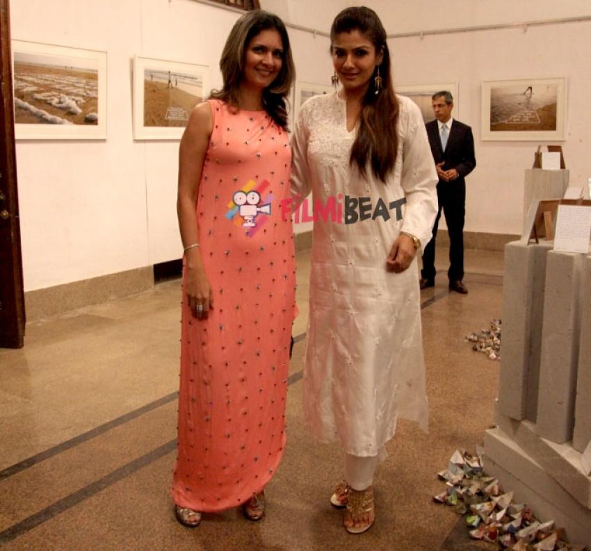 Raveena Tandon At Art Week 2014 Photos