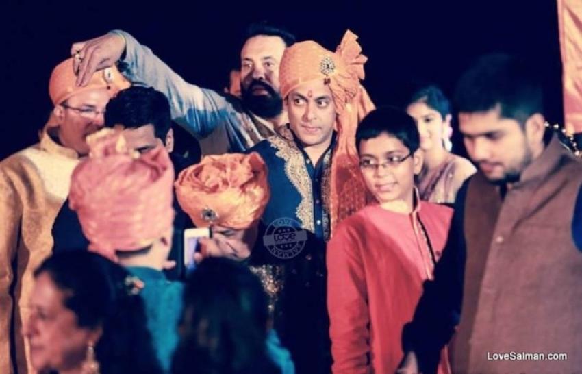 Salman Khan Attends Pulkit Samrat & Shweta Rohira Wedding Photos