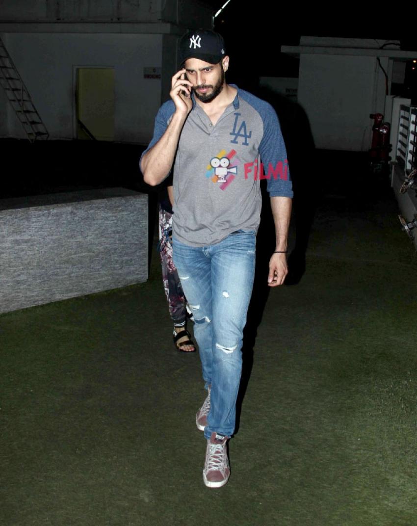 Sidharth Malhotra Snapped At PVR Photos