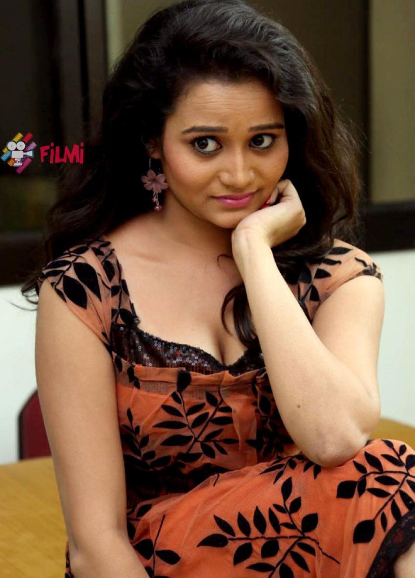 Sonal Jhansi Photos