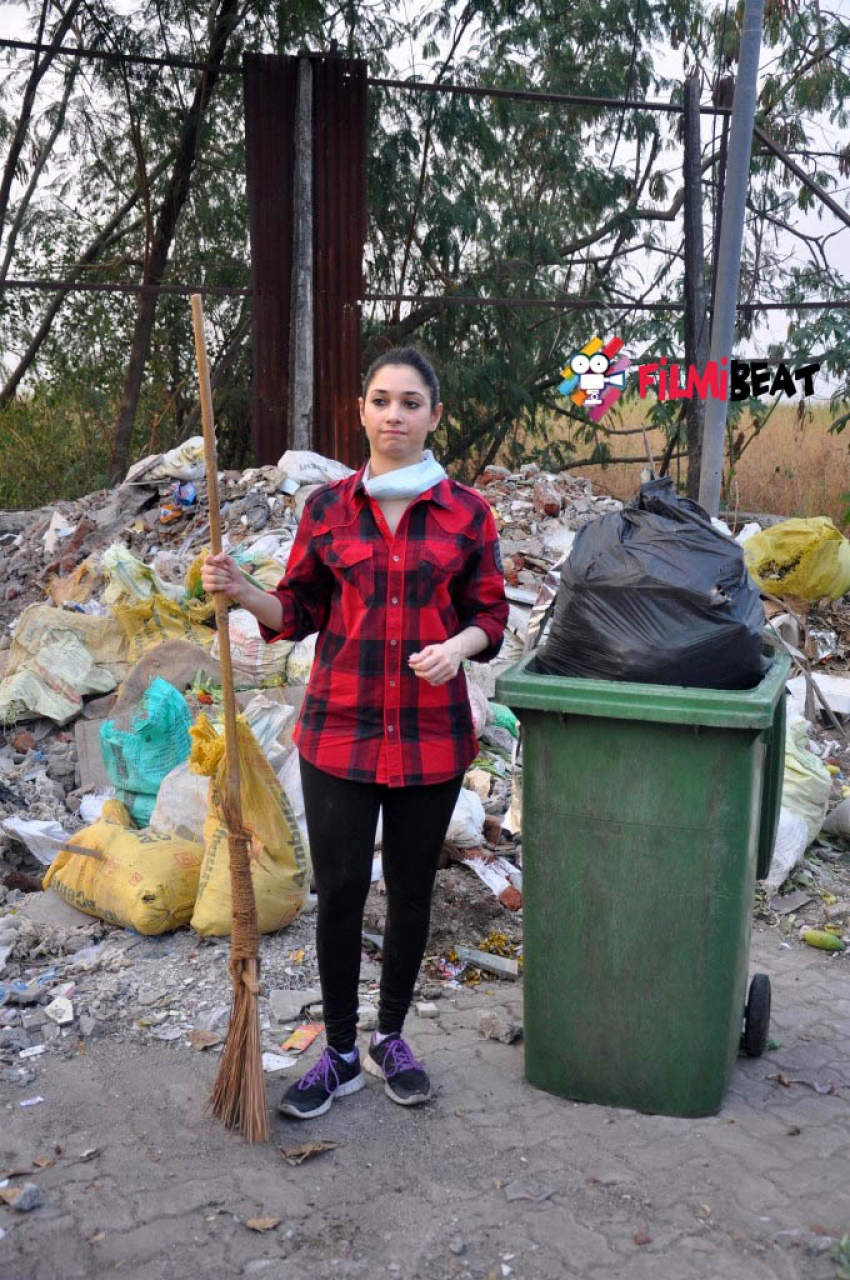 Tamannaah Bhatia Picks Up The Broom For Clean India Campaign Photos