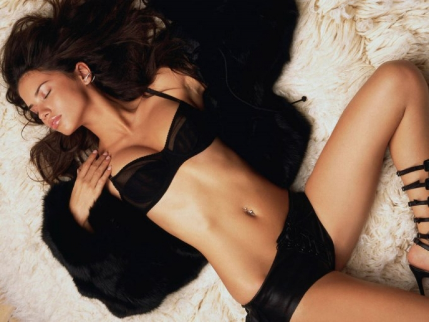 Adriana Lima Photos
