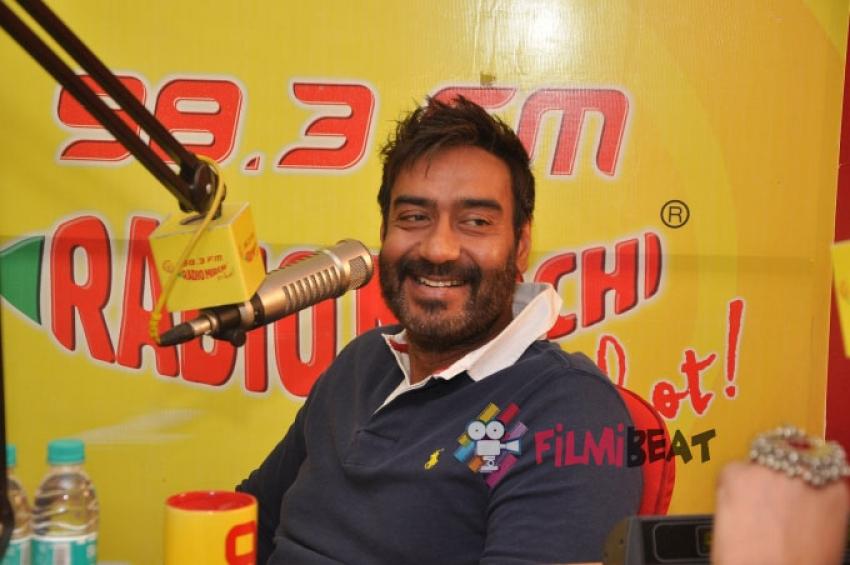 Ajay Devgn & Sonakshi Sinha Promote Action Jackson At Radio Mirchi FM Photos