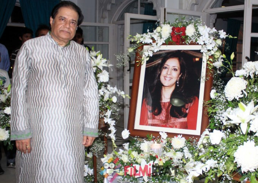 Celebs Attend Medha Jalota's Prayer Meet Photos