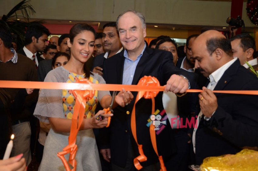 Ileana D'Cruz Inaugurates 'The Footin Store' Photos
