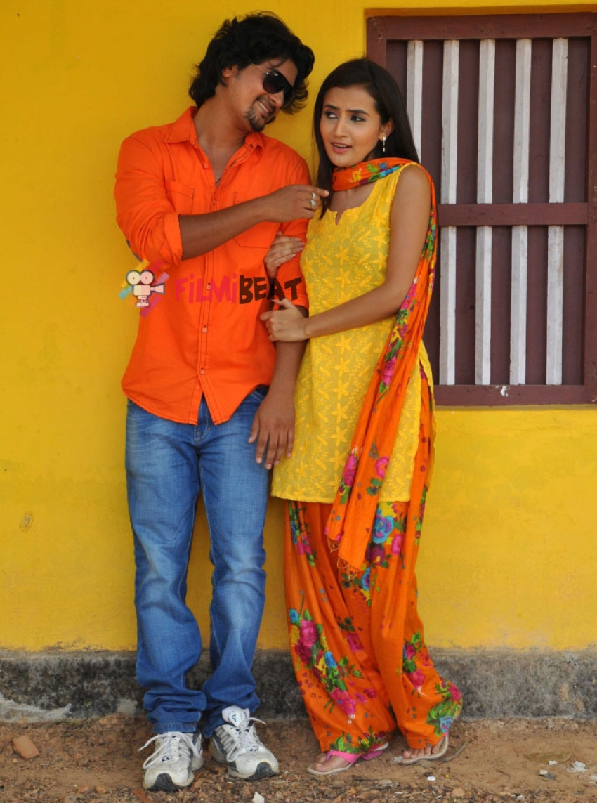 Naanu Hemanth Avalu Sevanthi Photos