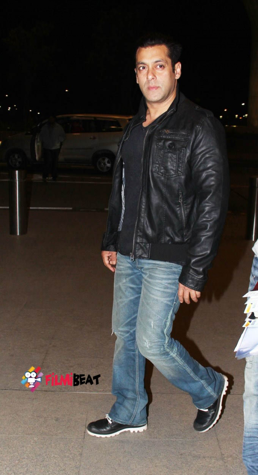 Salman Khan and Jacqueline Fernandez Snapped Leaving For Colombia Photos