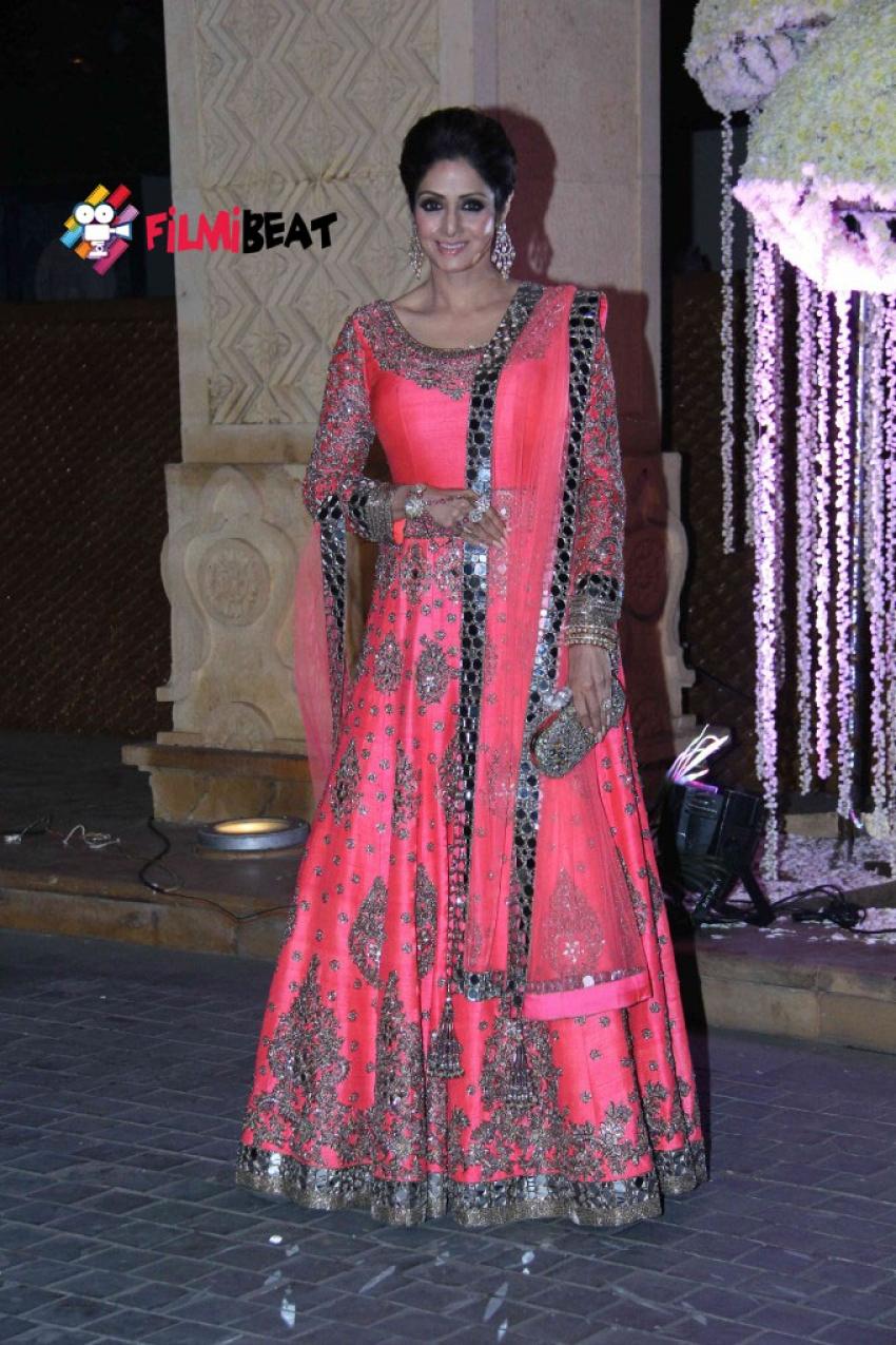 Riddhi Malhotra & Tejas Talwalkar's Wedding Reception Photos
