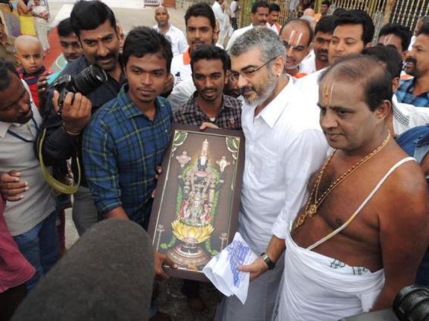 Ajith at Tirupathi to seek Lord Venkateshwara's Blessings Photos