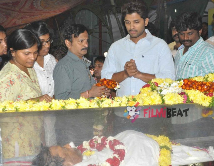 Celebs Pay Homage To M. S. Narayana Photos