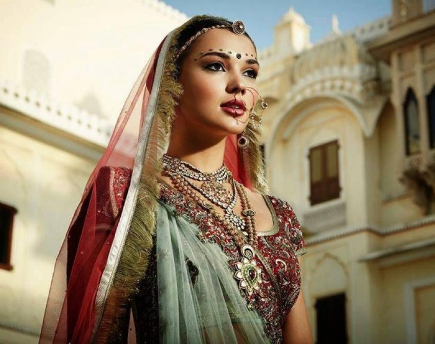 Amy Jackson Photoshoot in Bridal Saree Photos