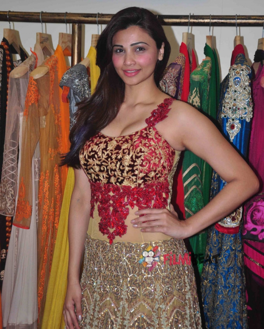 Preview Of Fashion Show By Rohit Verma Photos