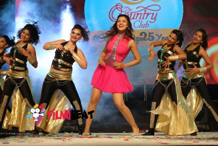 Gauhar Khan at Country Club New Year Performance Photos
