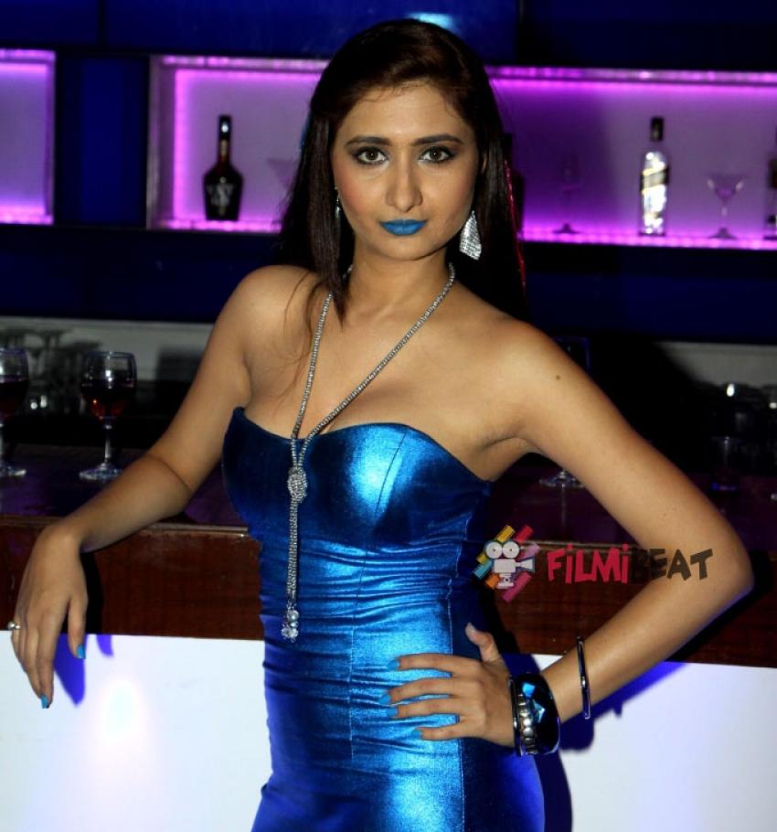 Mrunal Jain Shoots For Music Video Photos