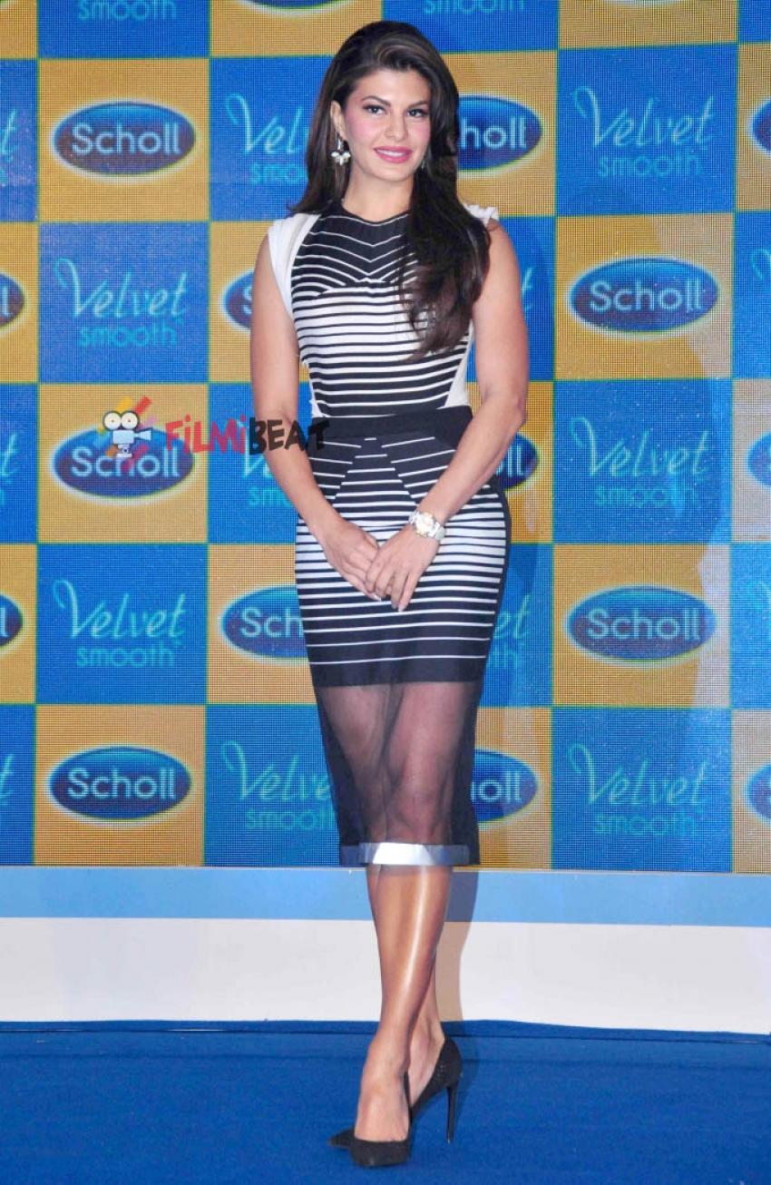 Jacqueline Fernandez Launches Scholl Velvet Smooth Express Pedi Photos