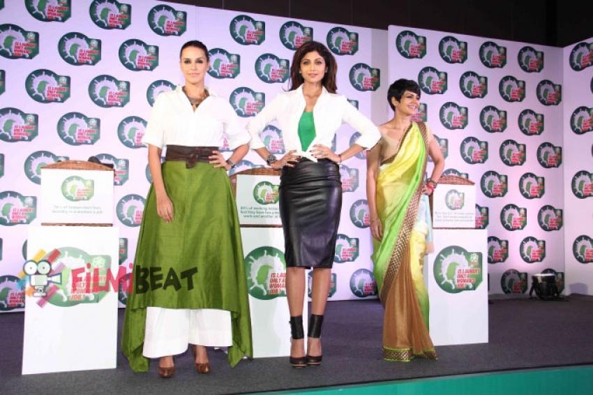 Shilpa, Neha & Mandira Participate In A Nationwide Survey Photos