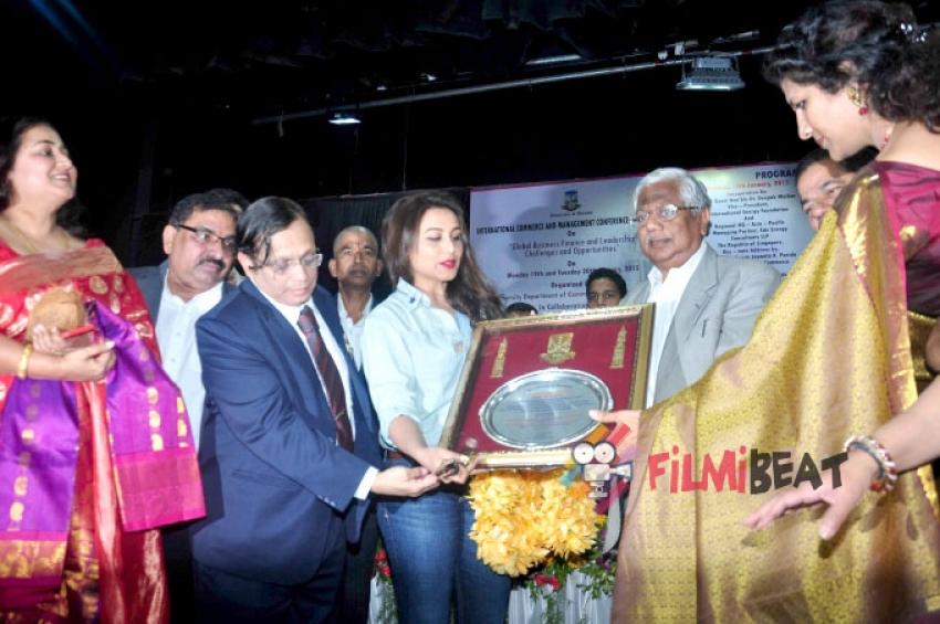 University Of Mumbai Felicitates Rani Mukerji & Prem Chopra Photos