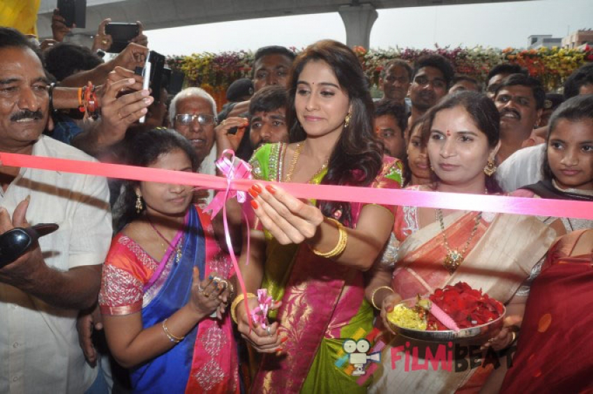 Regina Cassandra Launches Chennai Shopping Mall Photos