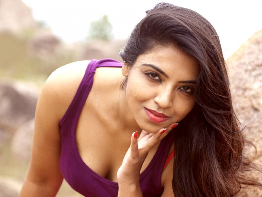 Sasha Gopinath Photos