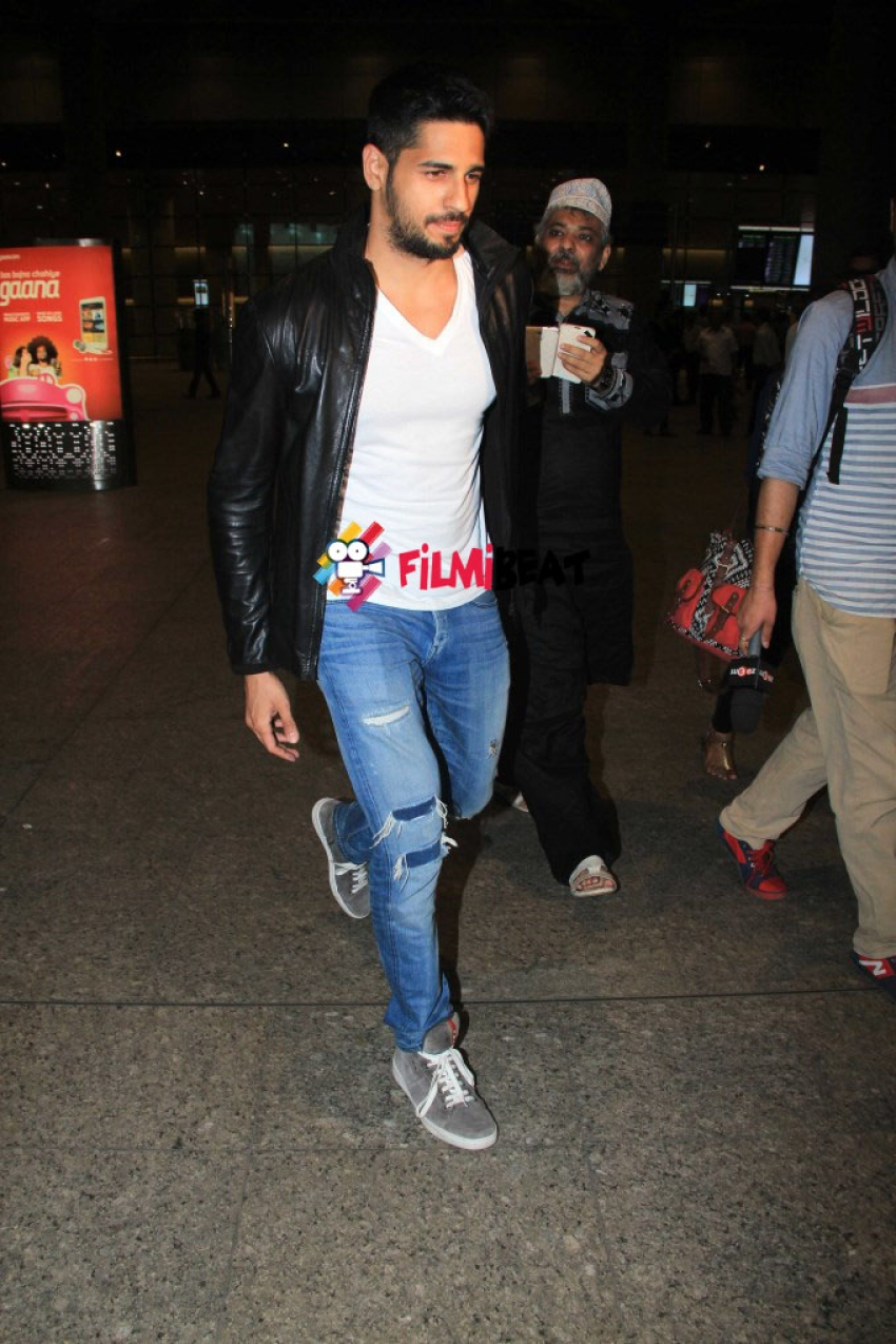 Alia Bhatt & Sidharth Malhotra Spotted at Mumbai Airport Photos