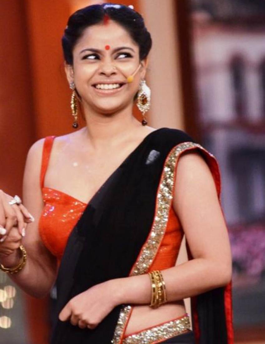 Sumona Chakravarti Photos