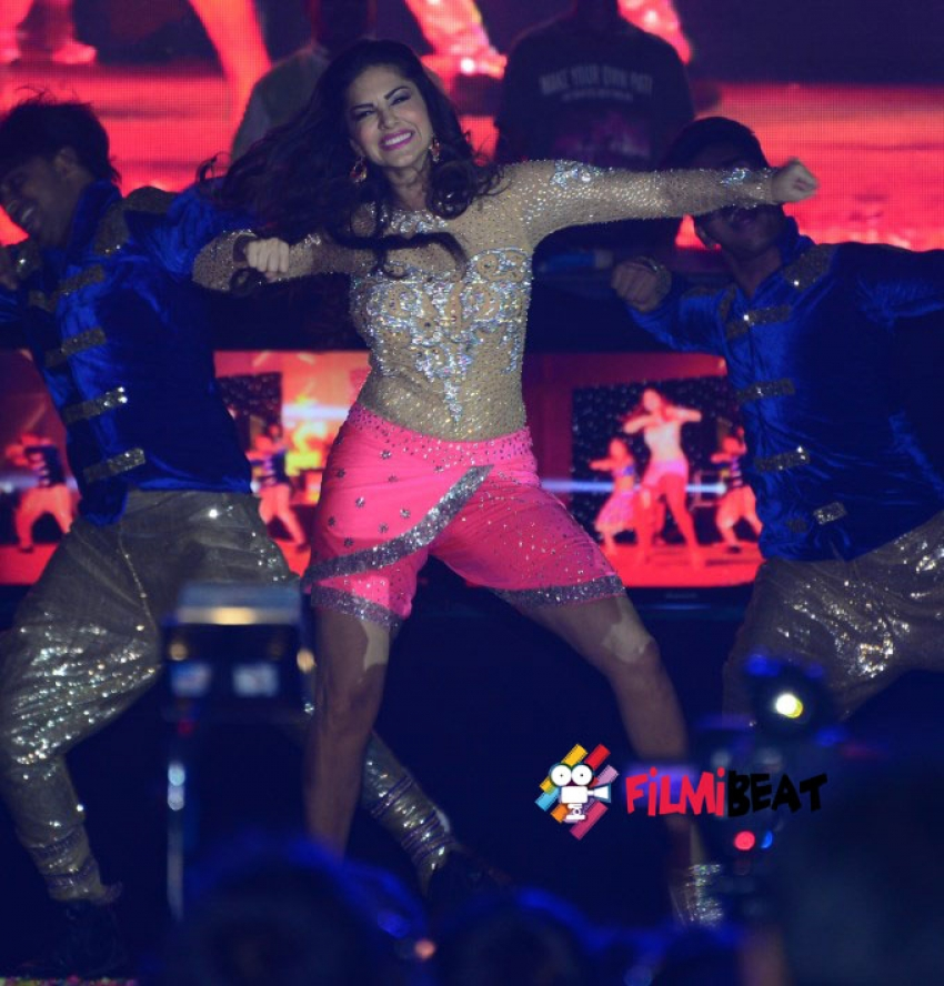 Sunny Leone New Year Performs at JRC Convention Photos