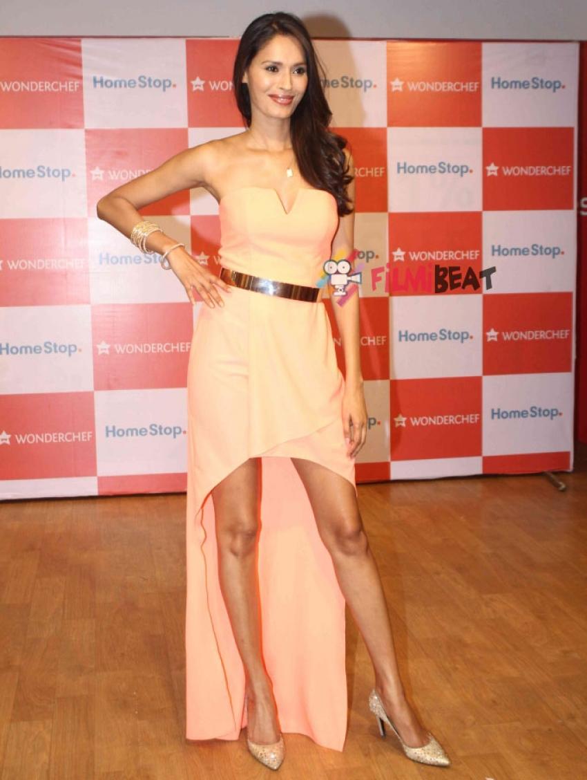 Ujjwala Raut At Cookware Fashion Show Photos